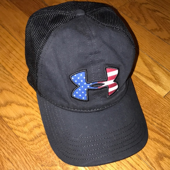 237cd009402 Under Armour black trucker hat. M 5a655c388af1c53e65143e9f